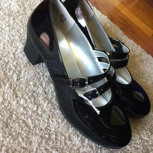 American Eagle By Payless Shoes - American eagle dress shoes size 3.5